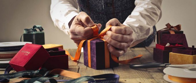 MAKE A LASTING IMPRESSION WITH A THOUGHTFUL GIFT